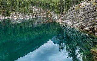 Horseshoe Lake Jasper Alberta zwemmen wandelen cliffjumpen