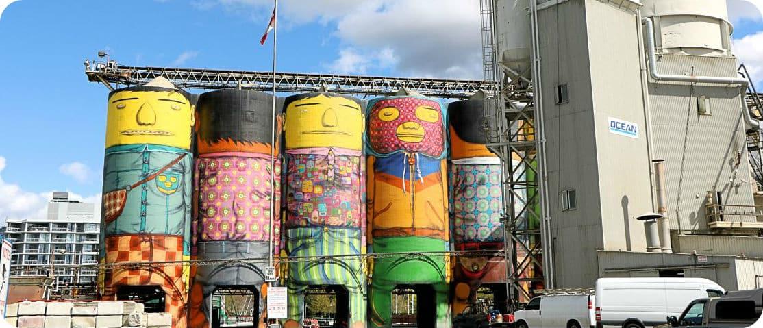 Giants gekleurde silos Granville Island Vancouver