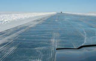 Iceroads van Northwest Territories Canada