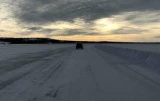 Iceroad van Tibbitt Lake naar Contwoyo Nunavut
